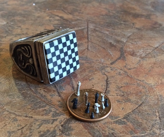 steampunktendencies-ChessSet-Ring1.jpg